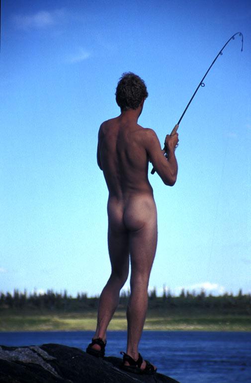 hvad er hale Budge Göransson nøgen